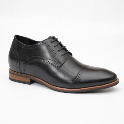 Lace up brogues with natural sole